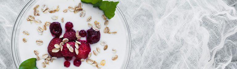 Hladen jogurt, odlična in zdrava osvežitev