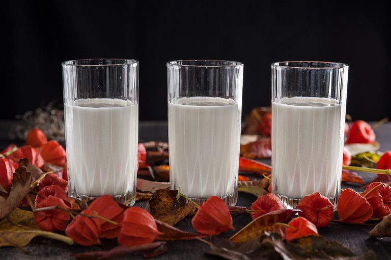 The difference between yoghurt, soured milk and kefir